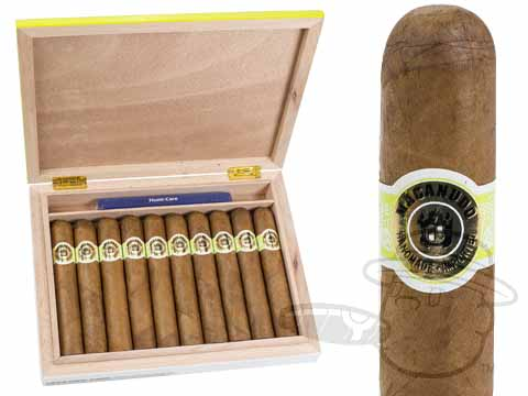 Macanudo Cafe Gigante Travel Humidor Gift Set